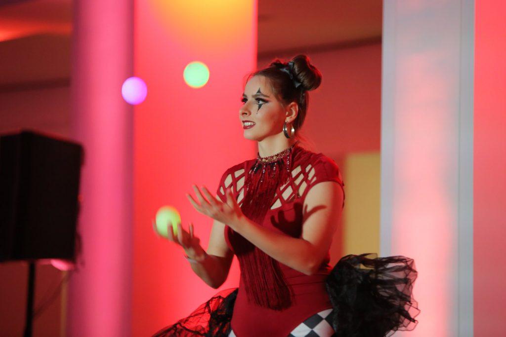 LED-Juggler-corporate-event-entertainment